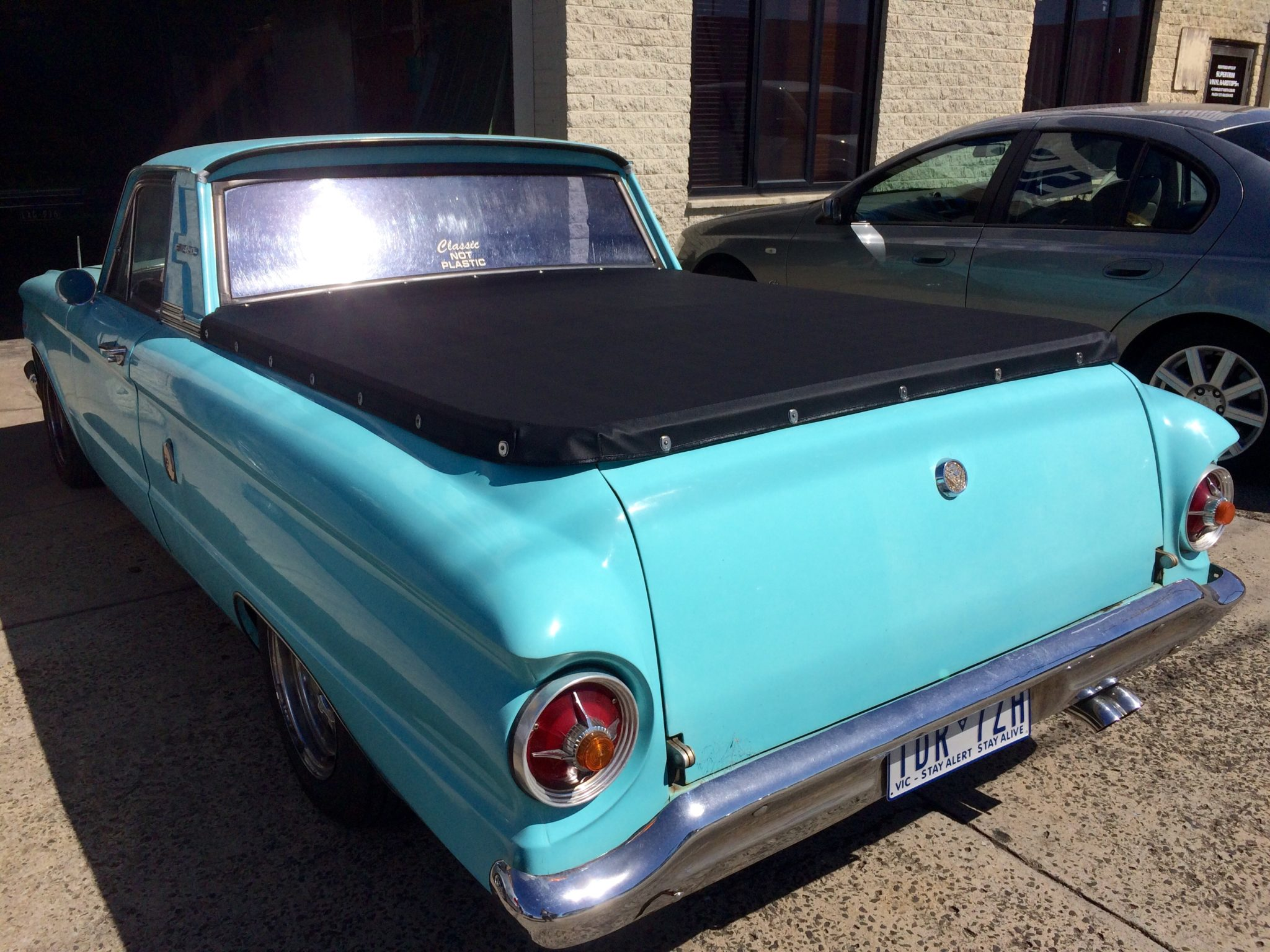 Ford Xp Ute Tonneau Cover together with File Ford Falcon XM Wagon further Old Mustang Wallpaper likewise File Ford XM Falcon Utility moreover Photos. on ford falcon xp